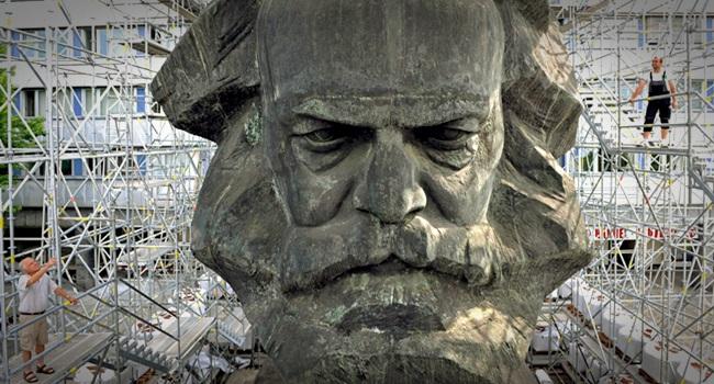 mundo de hoje é fruto do amor e do ódio a Karl Marx