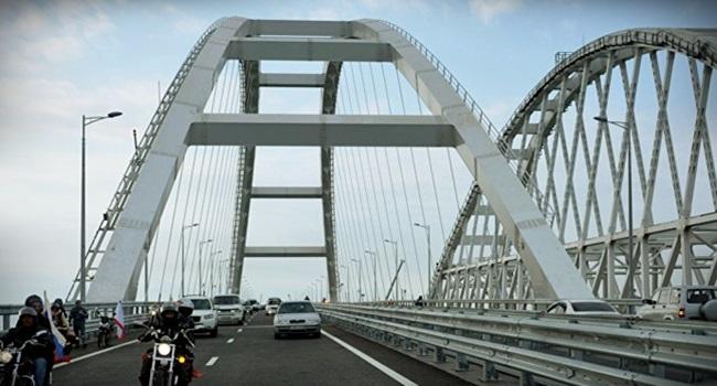 Ponte de 19 km que liga Crimeia à Rússia ficou pronta 7 meses antes do previsto