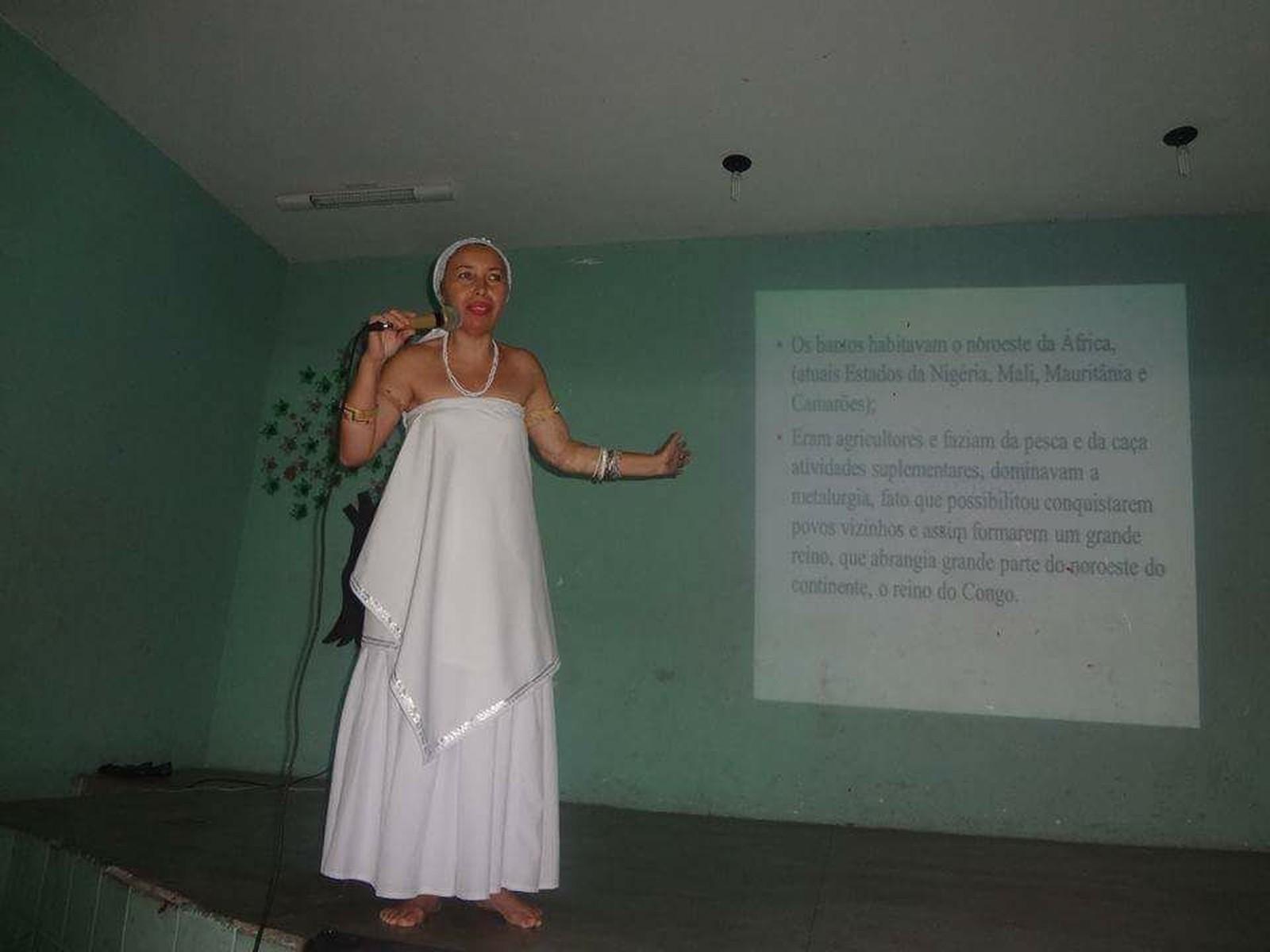 professora Maria Firmino