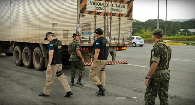 Ditadura na boleia exército caminhoneiros gasolina governo temer