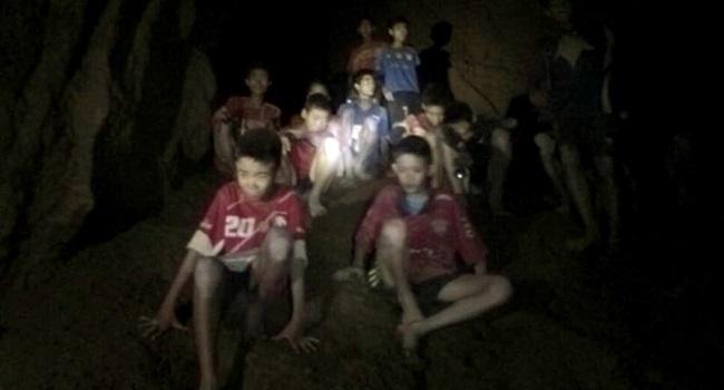 crianças incrivelmente fortes mergulhador de resgate inacreditável Tailândia meninos