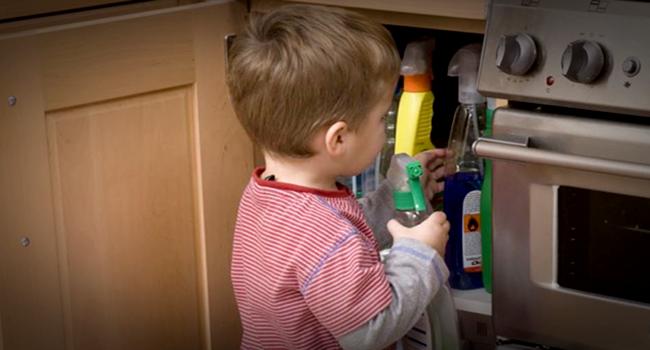 o que fazer filho consuma produto tóxico