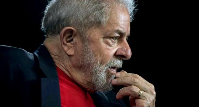 Folha de S.Paulo publica artigo inédito de Lula preso