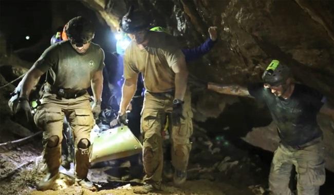 caverna Gritos e falha em bomba d'água relato mergulhador