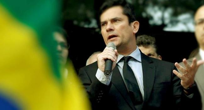Lula permaneceu em cárcere privado apenas pelos gritos de Sergio Moro desembargador