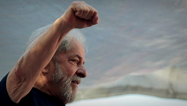 Pornografia política repercussão internacional da quase libertação de Lula