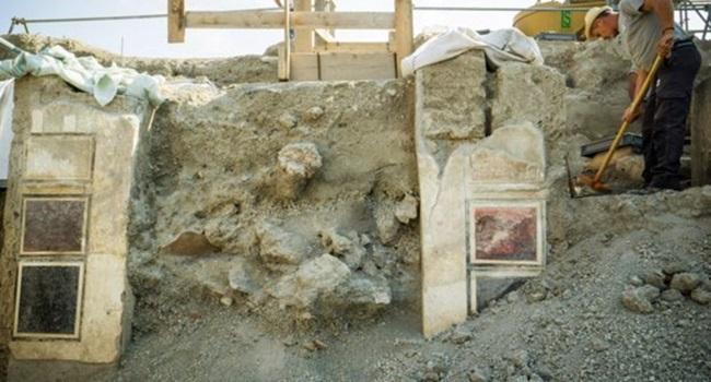 casa Pompeia sob cinzas vulcânicas