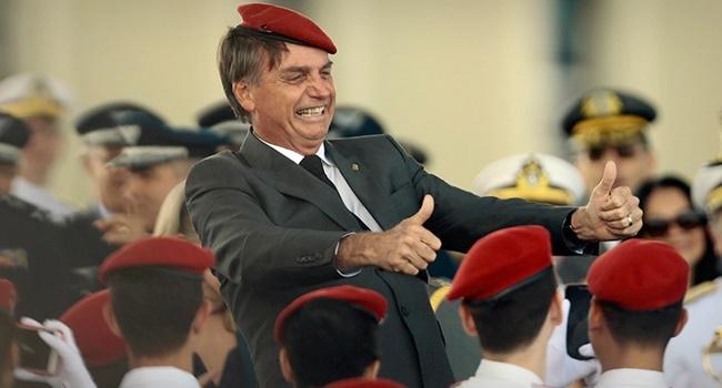 Propostas de Bolsonaro educação militar escolas direita