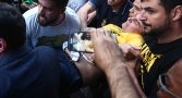 """ApÛs confus""""o, Bolsonaro È esfaqueado e levado ao hospital"""