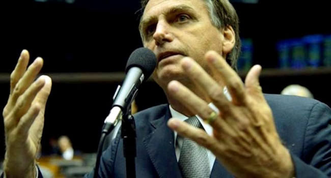 Jair Bolsonaro votou por privilégios gastos