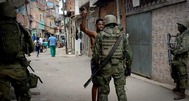 policia militar aborda mais negros racismo jovens