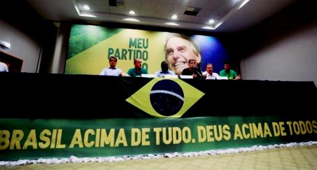 Caixa 2 campanha de Bolsonaro crimes outdoor fake news