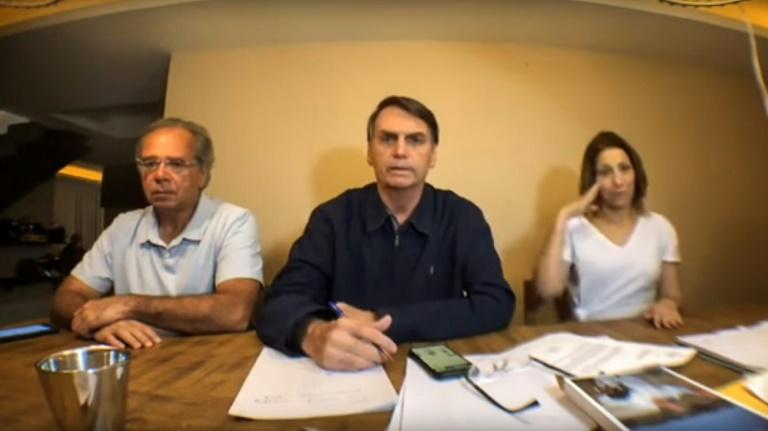 Bolsonaro Paulo Guedes urna eletrônica