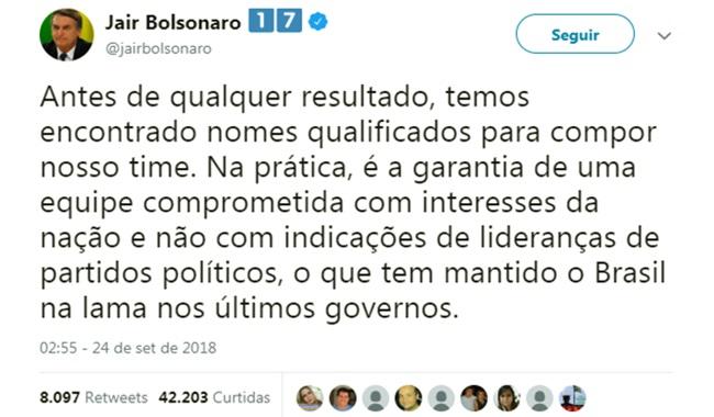 Bolsonaro promete indicações políticas empregou mulher parentes