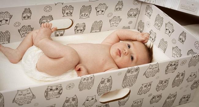 Britânicos eficácia de caixa de papelão para bebês Finlândia