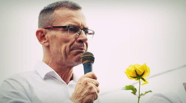 Candidato gay senador homofóbico ES Magno Malta