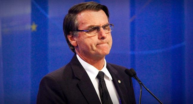 Editorial da Folha convoca Bolsonaro para debater com Haddad