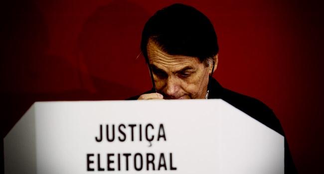 Escândalo atinge campanha de Bolsonaro crimes eleições
