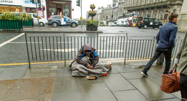 Europa inverno governos soluções sem-teto morador de rua pobreza