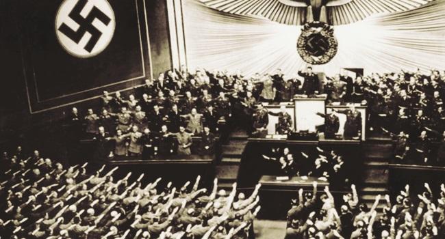 Historiador alemão explica nazismo educação escola