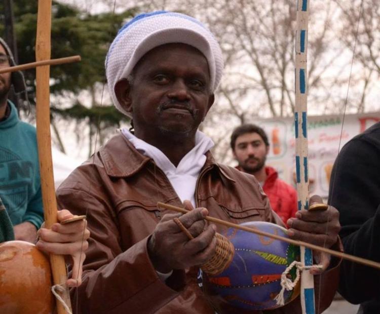 mestre de capoeira facadas Bahia