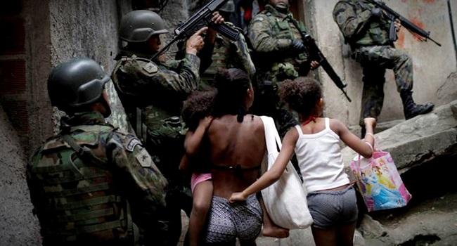 policiais estupraram meninas intervenção militar rio de janeiro temer