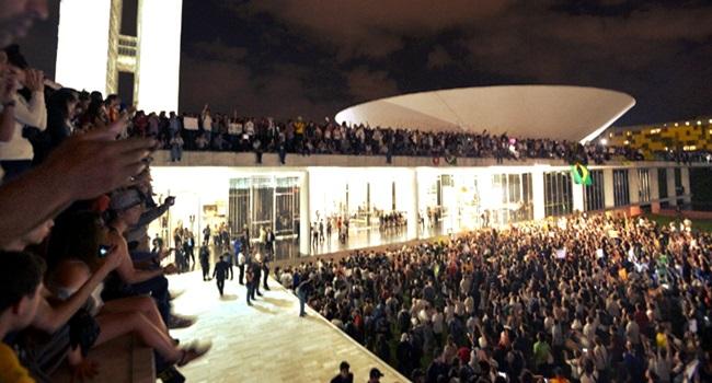 resumo do Brasil dilma manifestações 2013 temer bolsonaro direitos