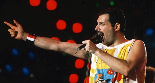 """Bolsonaristas estão furiosos com as cenas gays de """"Bohemian Rhapsody"""""""