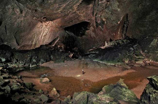 Cientistas pintura figurativa mais antiga mundo caverna de Bornéu rupestre