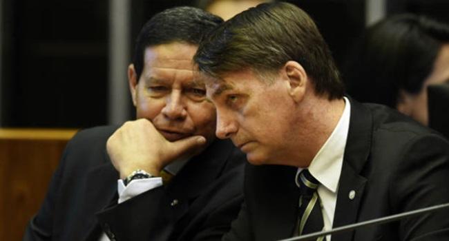 Bolsonaro não mexe mordomias da Previdência militar