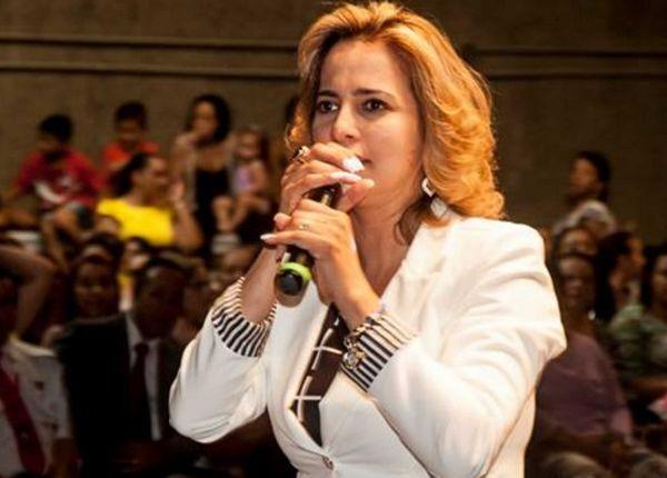 A vereadora Elian Santana