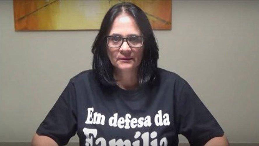 Damares Alves filha adotiva indígenas