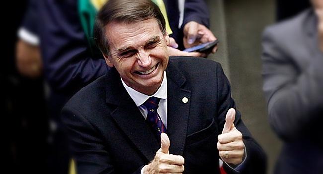 Ações contra Bolsonaro por injúria e apologia ao estupro são suspensas no STF