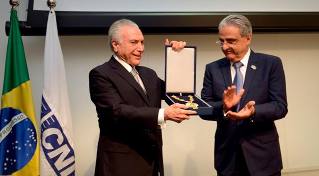 Robson Braga de Andrade Michel temer homenagem CNI