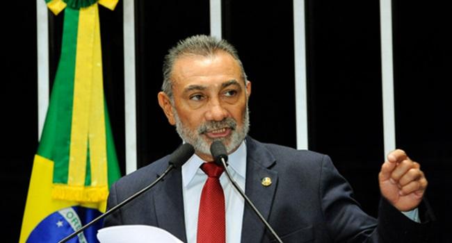 senador roraima brasil gasolina venezuela guerra eua Telmário Mota