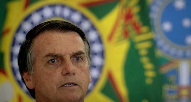 Bolsonaro se irrita Imagem de racista ditador exterior