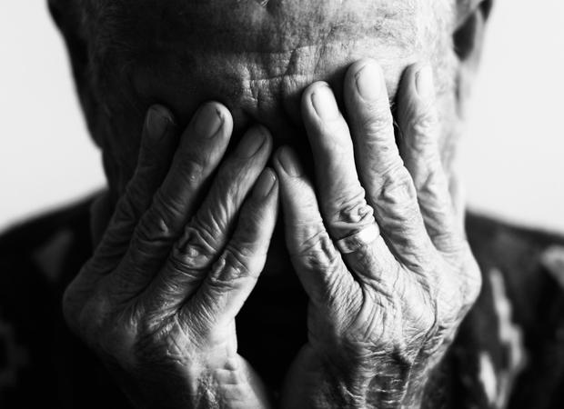 homem estupra idosa sogra 101