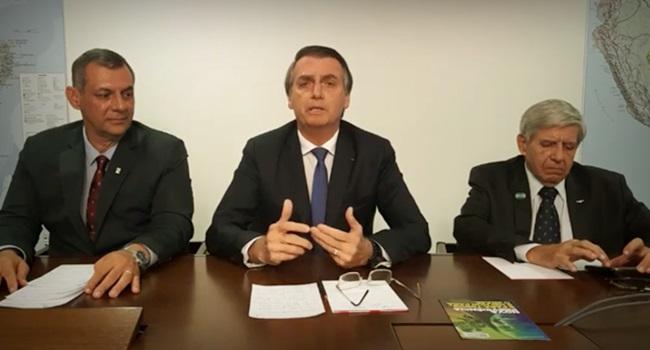Live de Bolsonaro assessores provocou vergonha alheia