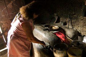 mulheres-miseria-programas-sociais