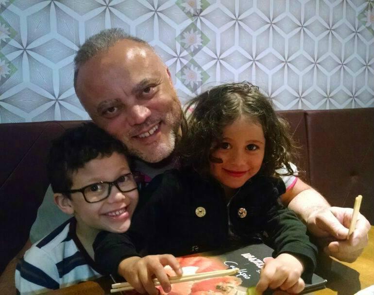 pai mata filhos suicídio