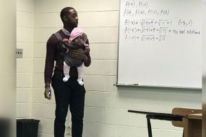 professor-segura-bebe