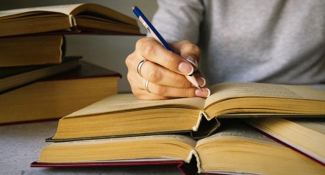 artigos científicos publicados no Brasil são assinados por mulheres