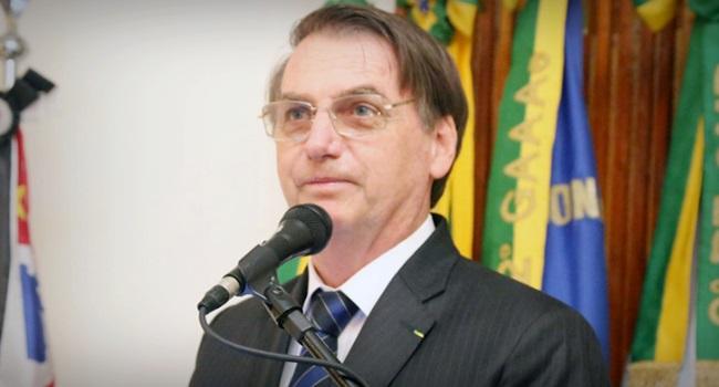 Bolsonaro presidente brasileiro a não aceitar dados do IBGE