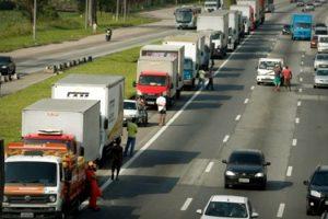 caminhoneiros-criticam-esmolas-de-bolsonaro-e-sinalizam-nova-greve
