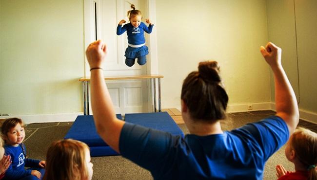 escolas islandesas separam meninos e meninas igualdade