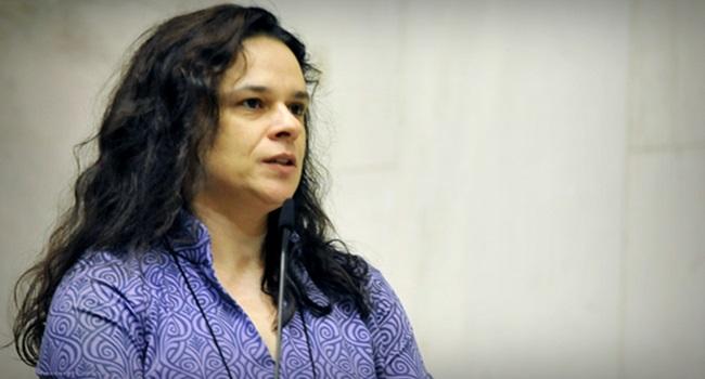 Janaina Paschoal perseguida por apoiadores de Bolsonaro