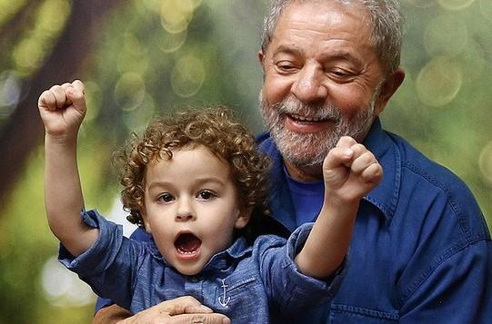 Lula e o neto Arthur