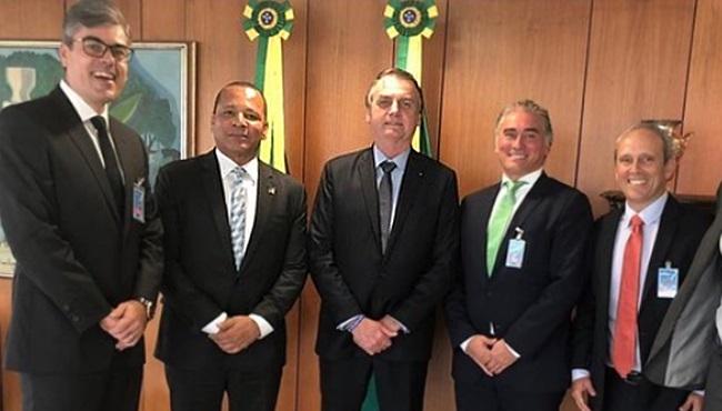 Pai de Neymar recebido por Bolsonaro negociar dívida milionária Receita