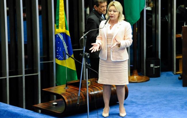 Senadora conhecida Moro de saias cassada caixa 2