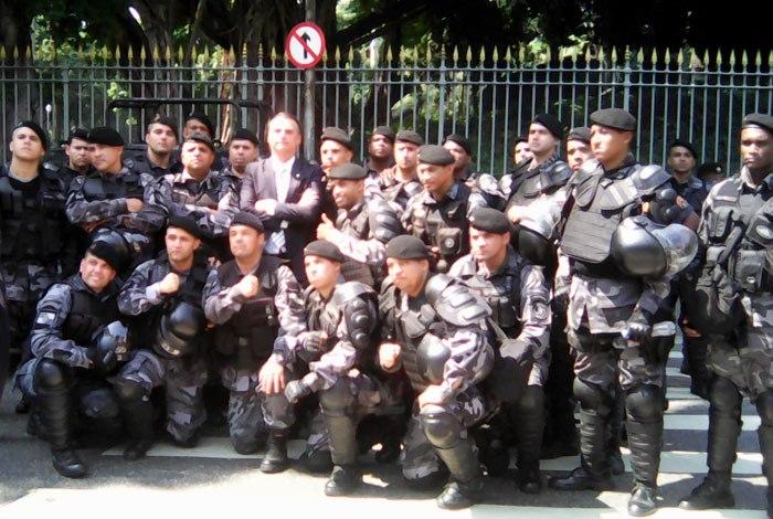 policiais bolsonaro manifestação